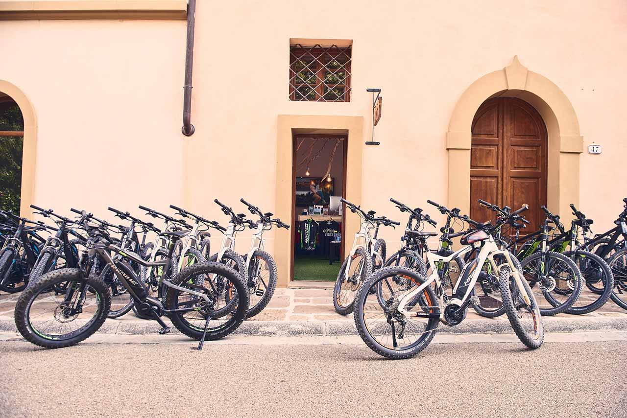 Castelfalfi Borgo - Biking Tuscany Tour