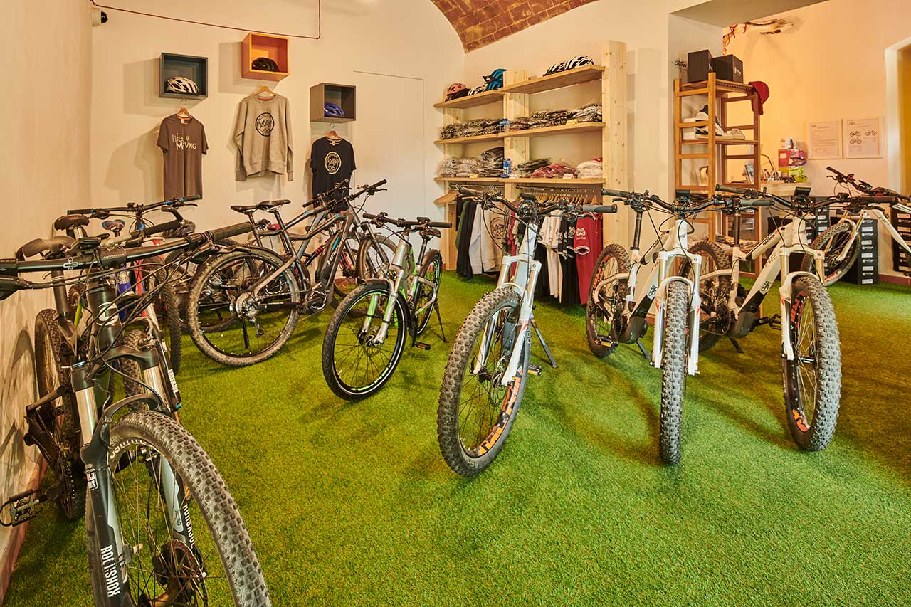 Our shop - Biking Tuscany Tour