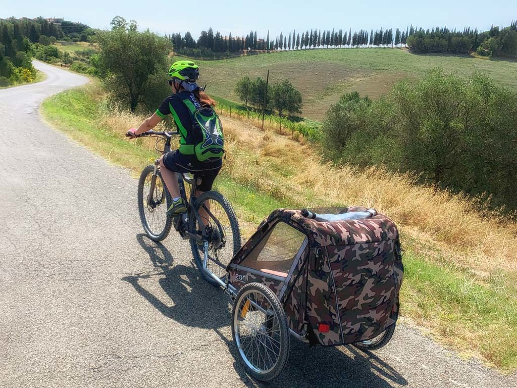 e-bike rental Tuscany - bike trailer - Castelfalfi (Montaione)