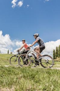 Biking Tuscany Tour - Tuscany bike tours