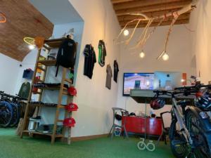 Tuscany bike tours - Sportswear