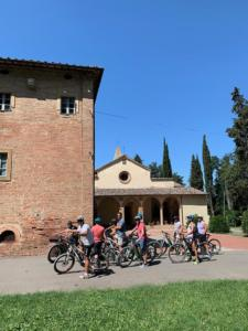 Tuscany bike wine tour - Castelfalfi (Montaione) Winery experience